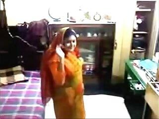 aunty-banged-bangladeshis-desi-mom-mommy