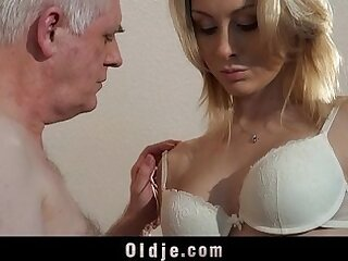 blonde-casting-interview-old man