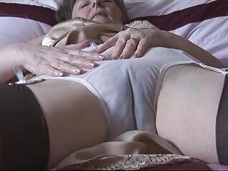 cameltoe-granny-hairy-panties-stockings-striptease