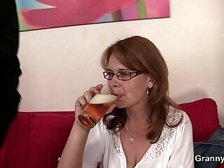 cunt-drilling-drunk-mommy-old and young