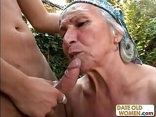 granny-old and young-outdoor