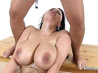 girl-girlfriend-love-peeing-squirt