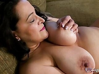 american-chubby-lady-mature-older woman