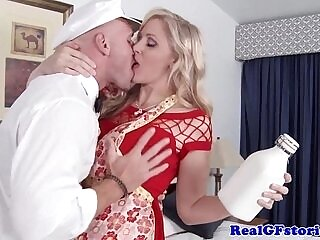 blonde-cheating-housewife-mature-milk-older woman