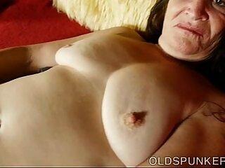 beautiful-brunette-cunt-juicy-mature-older woman