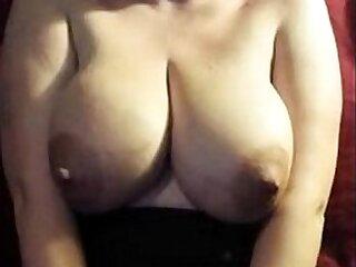 big boobs-boobs-milk-mom-pregnant
