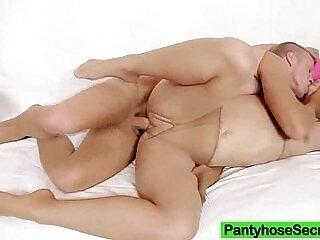 ass-big ass-blonde-nylons-pantyhose-xxx