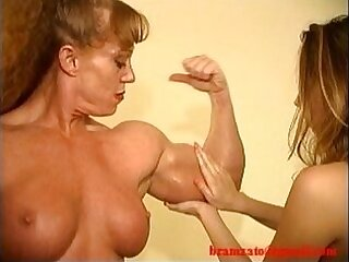 domination-muscle-wrestling