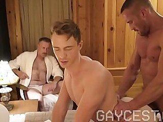 blowjob-boy-daddy-gay-muscle-voyeur