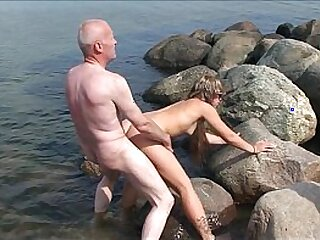 19 years old-3some-amateur-bald pussy-beach-bisexual