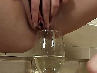 clit-fetish-fingering-kinky-peeing