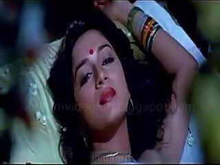 desi-indian-kissing-love-tamil