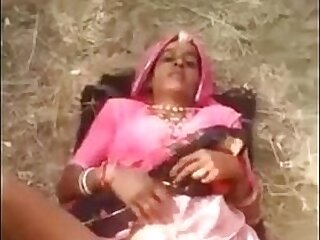 aunty-desi-mom-mommy-outdoor-wife