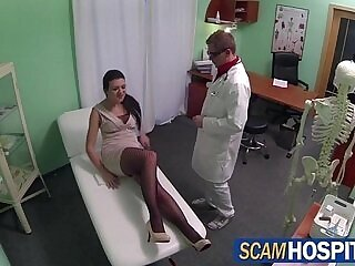 bald pussy-doctor-licking-perverts-pussy-shaved
