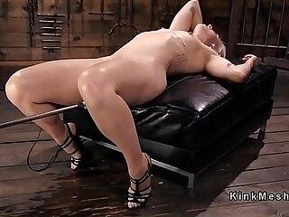 blonde-orgasm-xxx-sex machine-squirt-toys